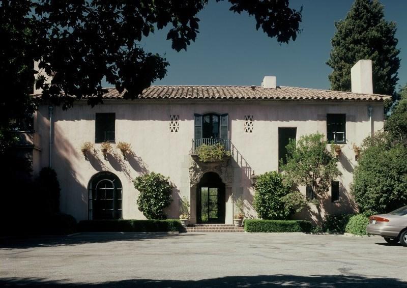 Image of a Pasadena Italian Villa